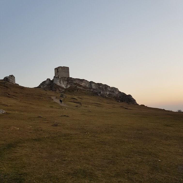 Wieża na wzgórzu
