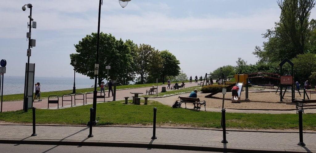 Orłowo - widok na plac zabaw i Promenadę Królowej Marysieńki