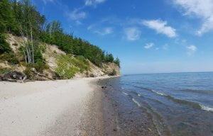 Klif w Orłowie - widok od strony plaży