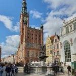 Fontanna Neptuna - widok na Ratusz Głównego Miasta. Oddział Muzeum Gdańska